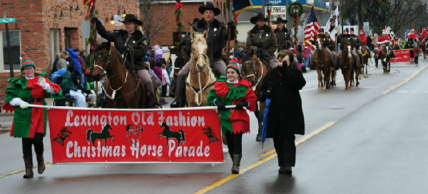 Lexington Michigan Old Fashioned Christmas Horse parade