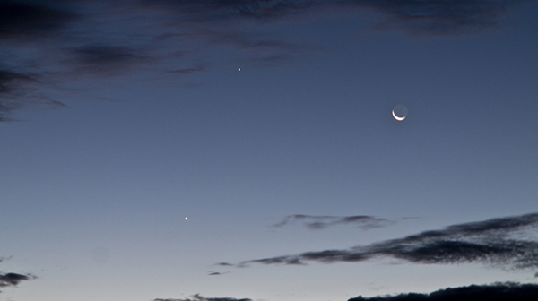 crescent moon and jupiter