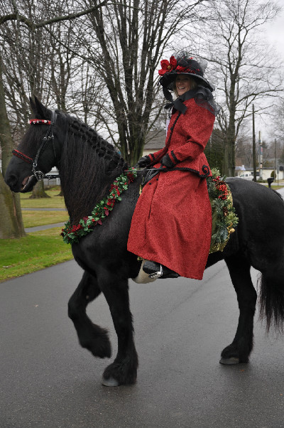 an old fashioned christmas horse parade in lexington michigan