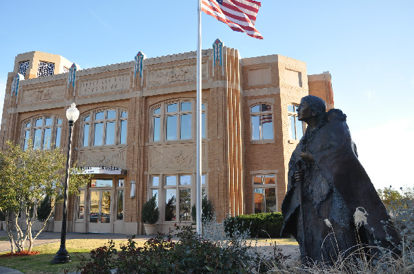 Sacagawea stands outside of the National Cowgirl Museum and Hall of Fame.