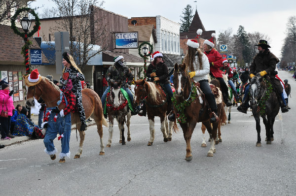 Christmas Horse Parade travel tips Michigan Tourism