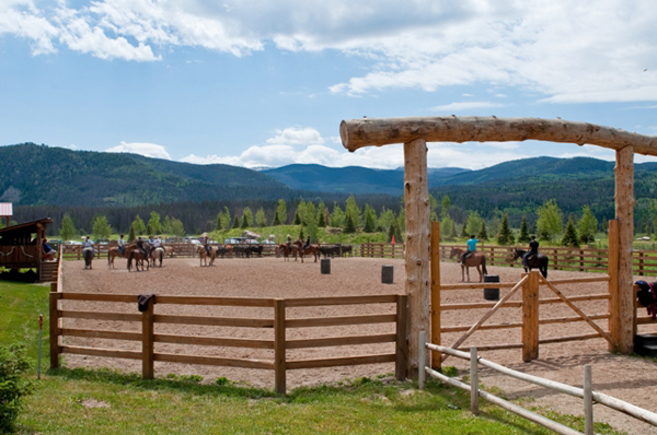 colorado luxury ranch outdoor horse riding arena vista verde