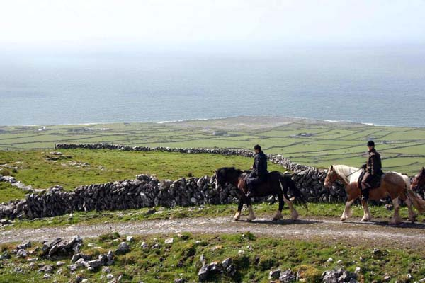 ireland horseback riding vacations galway