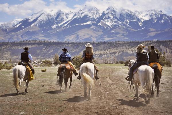 Mountain Sky Wild West Women Emigrant Peak