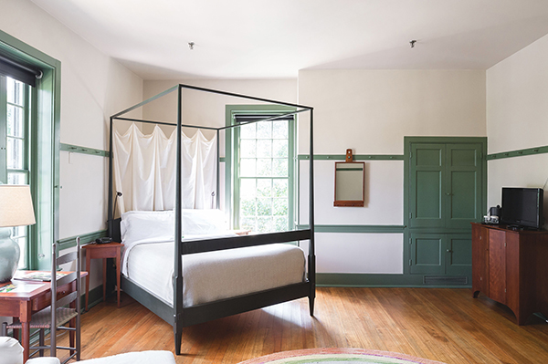 Shaker Village Spacious Room