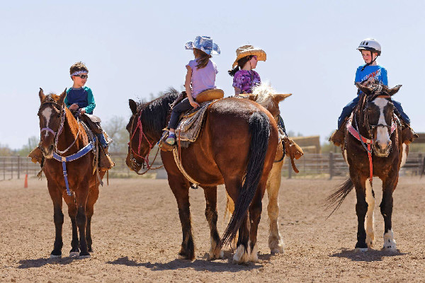 White Stallion Ranch Arizona kids riding