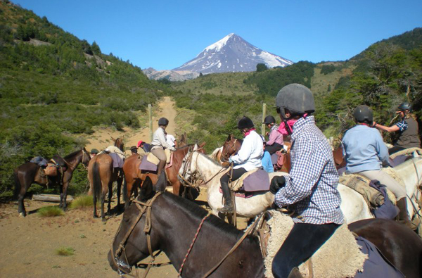 Argentina horseback riding vacation Estancia Huechahue