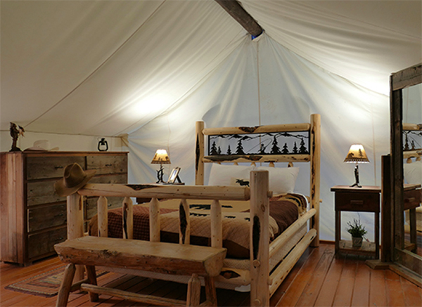 bar w ranch glamping