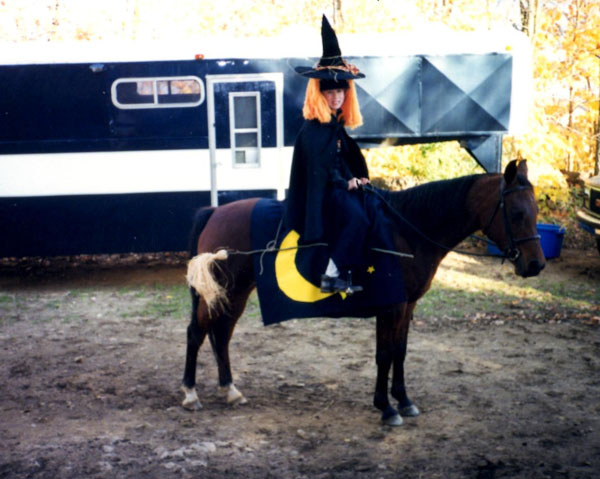 witch-halloween-horse-costume