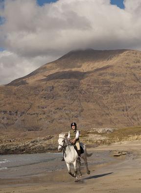 horseback riding on the beaches of connemara