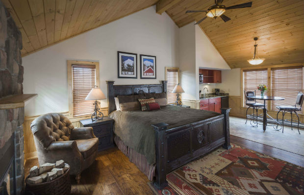 Mountain Top Resort's King Cabin