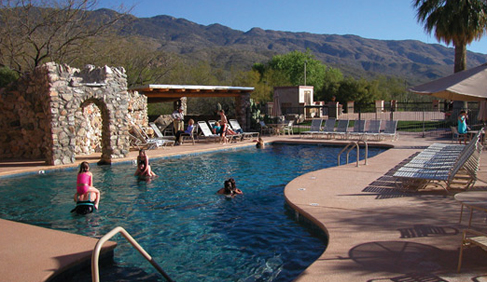 Tanque Verde Ranch has indoor and outdoor swimming pools and whirlpools.