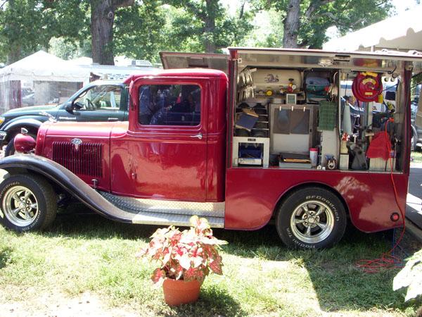 Farrier truck