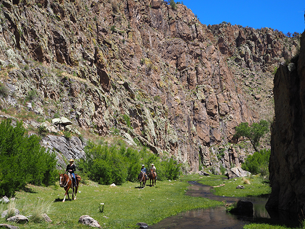 Geronimo Trail Guest Ranch canyon rides
