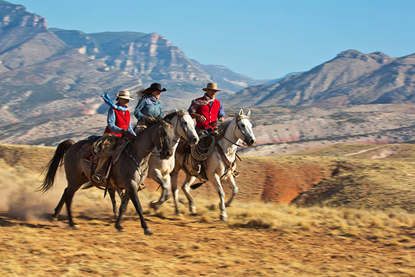 Hideout Lodge Wyoming travel deal big photo