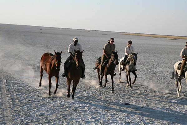Botswana Pans horseback riding