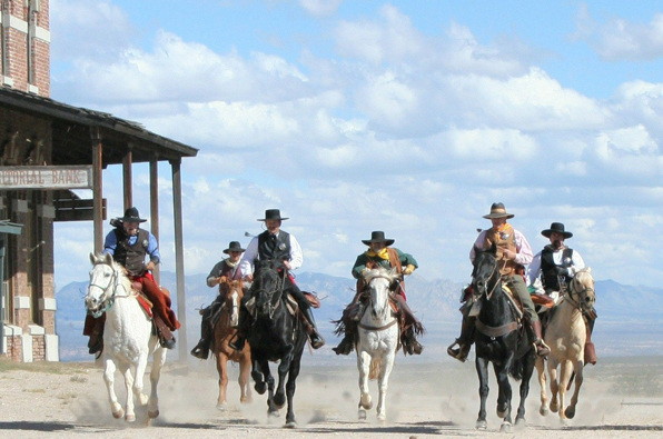 horseback riding tours western history