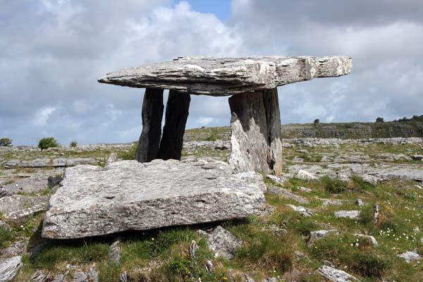 ireland burial tomb