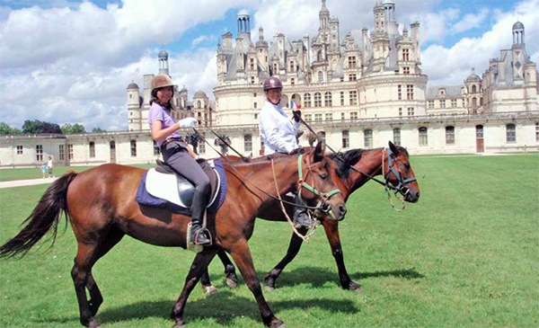 Chateau riding vacations Loire France
