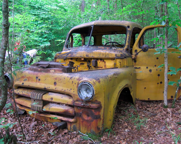 old car Buffalo River Tennessee