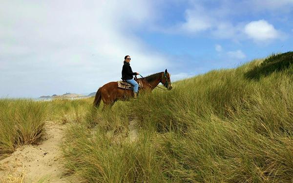 oregon coast trail ride on horseback