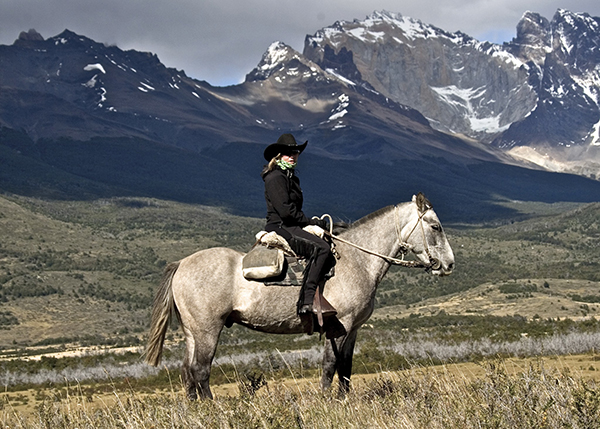 patagonia horseback mountains