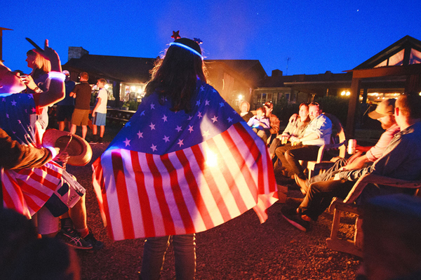 paws up resort fourth of july campfire