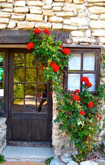 Provence inn to inn horse riding