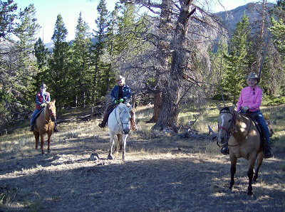 riding wyoming dude ranch t cross