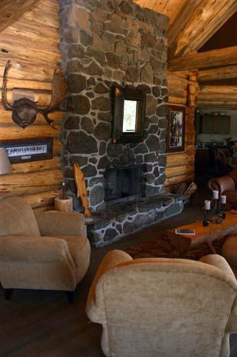 Tsylos Park Lodge, Interior