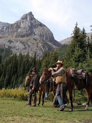 warner guiding & outfitting alberta banff horseback riding