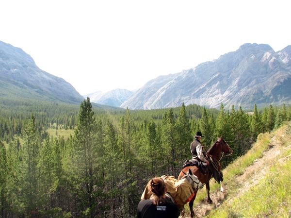 alberta horseback riding holidays warner guiding