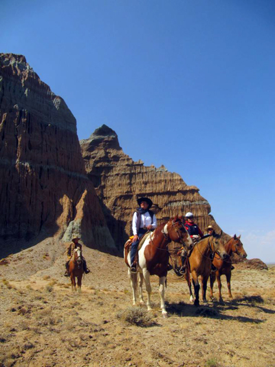 wyoming horseback vacations